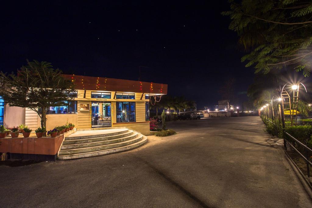 Hotel Seven Star, Narayani