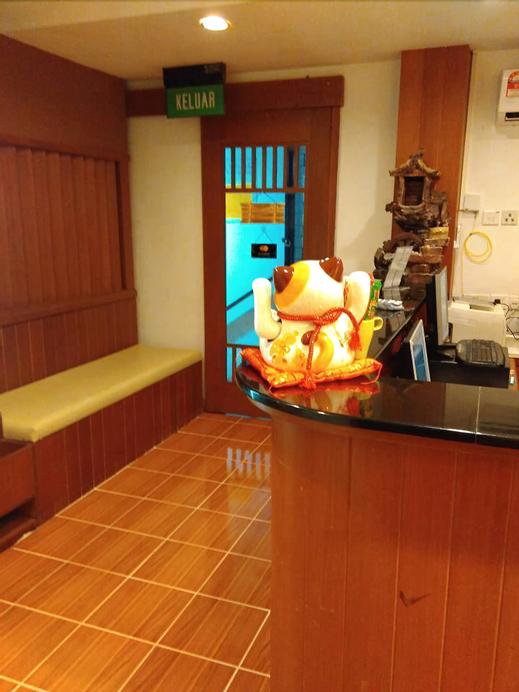 Easybox Homestay, Gadong