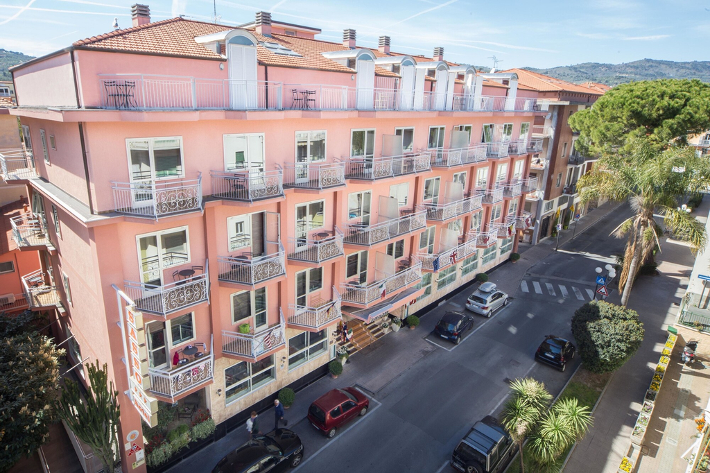 Sasso Hotel & Residence, Imperia