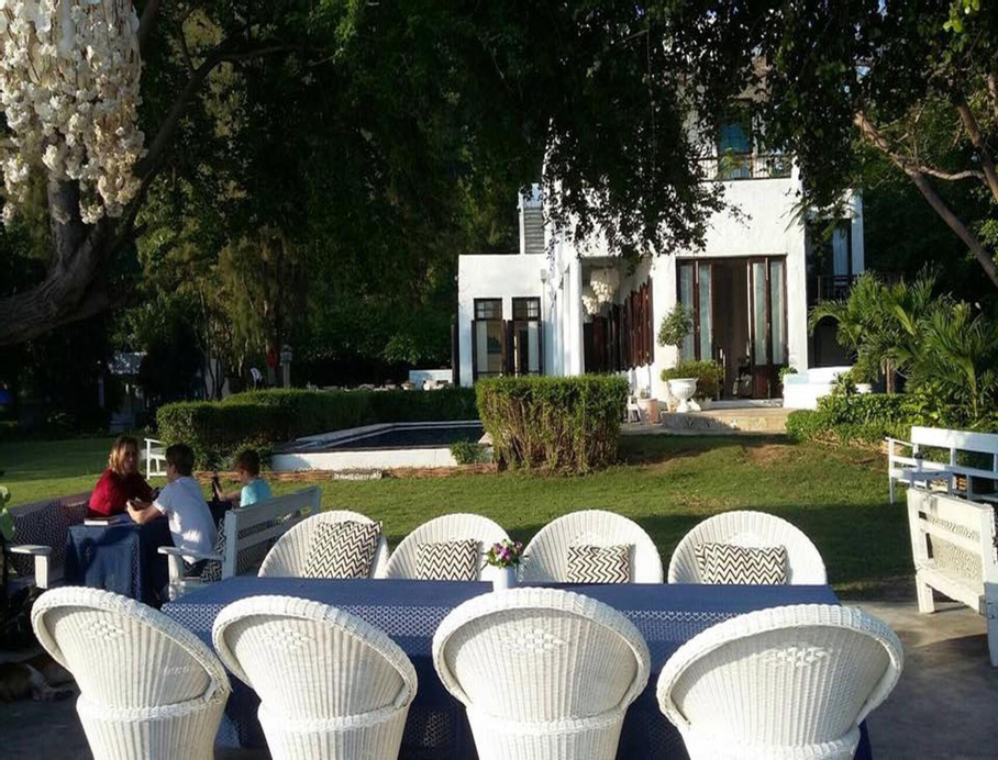 Brassiere Beach Hotel, K. Sam Roi Yot