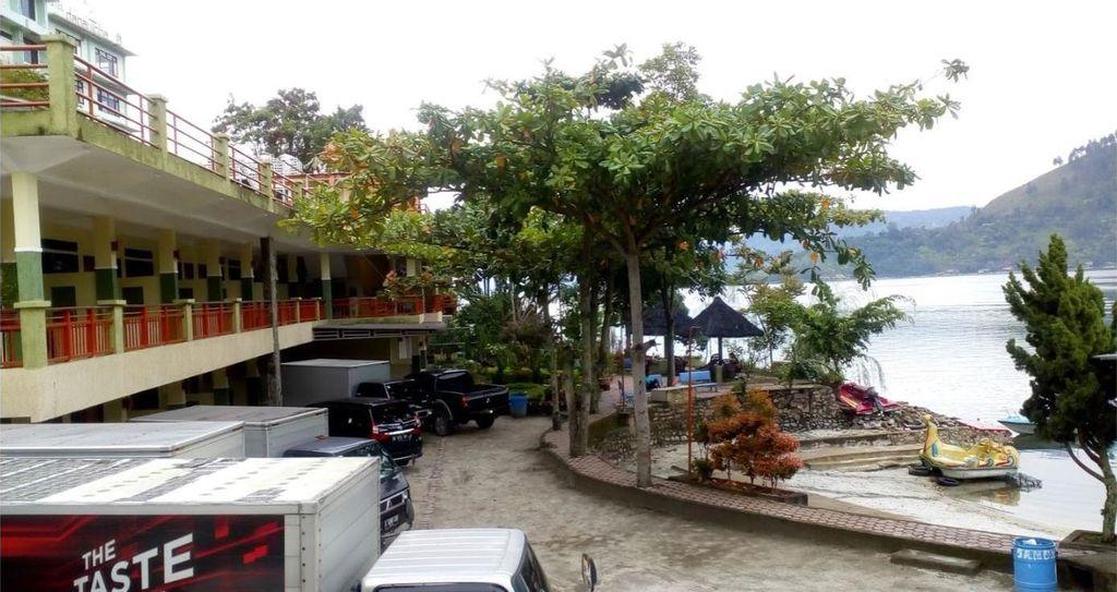 Pandu Lakeside Parapat Hotel, Simalungun