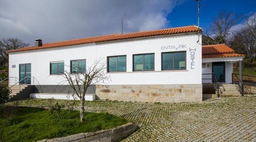 Hostel EntryFik, Fornos de Algodres