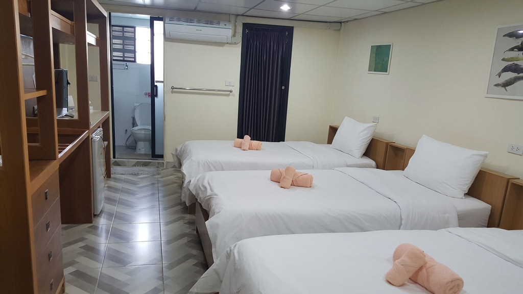 Double D Rooms & Cafe, Bangkok Noi