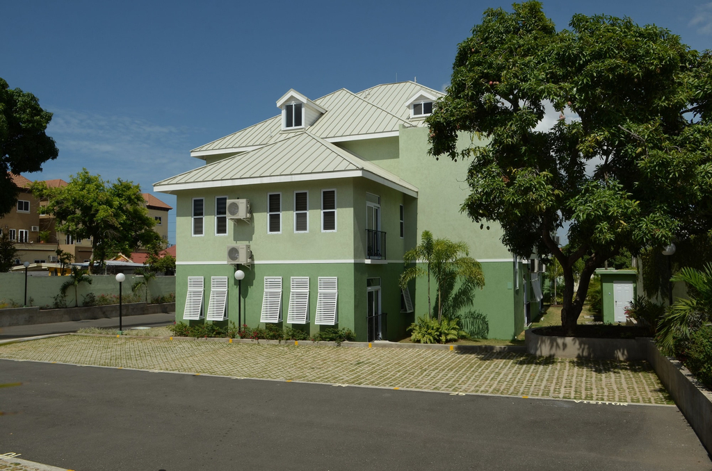 Kingsway New Kingston Guest Apartment II,