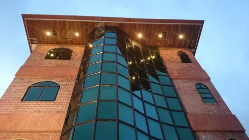 Hotel Paramuru, Centrum