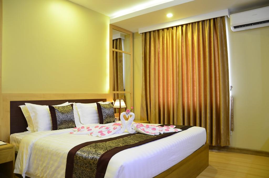 Royal Pavilion Hotel, Yangon-E