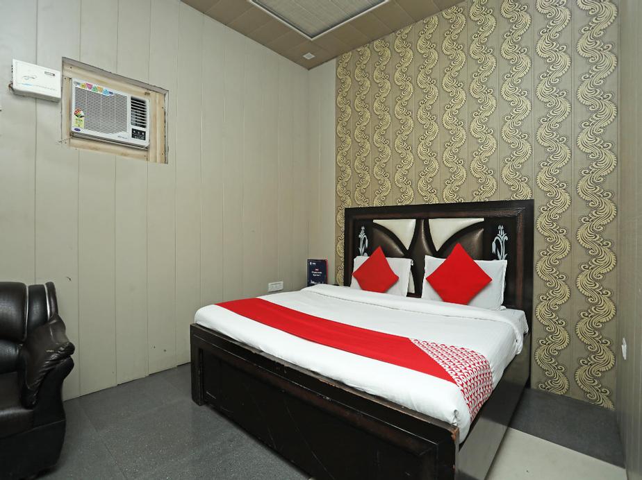 OYO 18530 Comfort Inn, Meerut