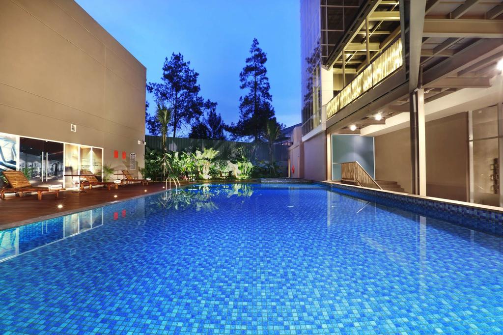 Aston Pasteur, Bandung