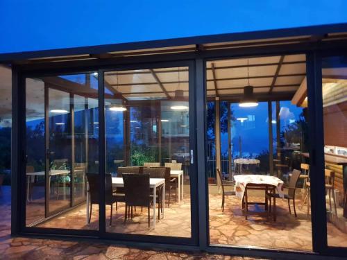 La Maroja View Hotel, Vlorës