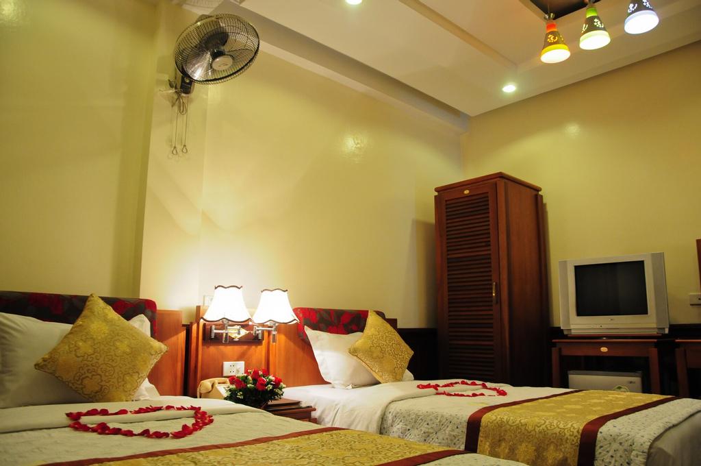 Thai Ha Hotel, Đống Đa