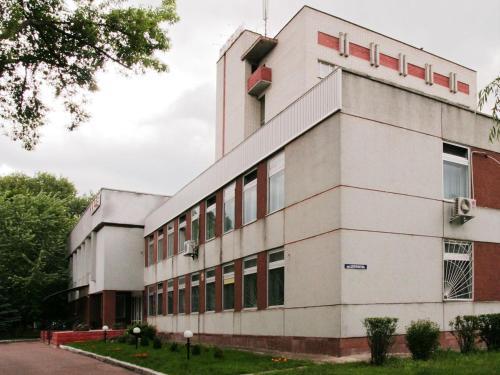 Profssoyuzny Hotel, Chernihivs'ka
