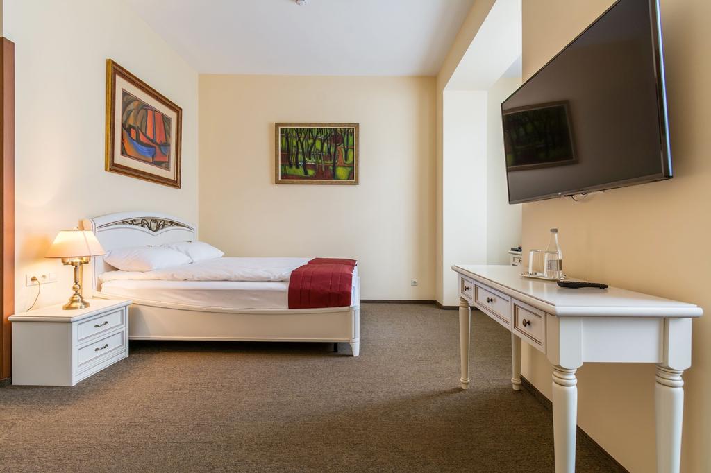 Vita-Hotel, Leninskiy rayon