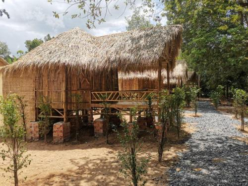ឋានសួគ៍ទឹកឈូ Thansour Tekchou, Kampot