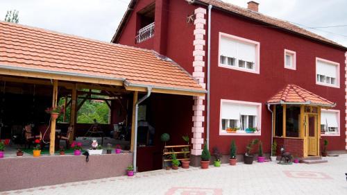 Villa Lola & Nikola, Pirot
