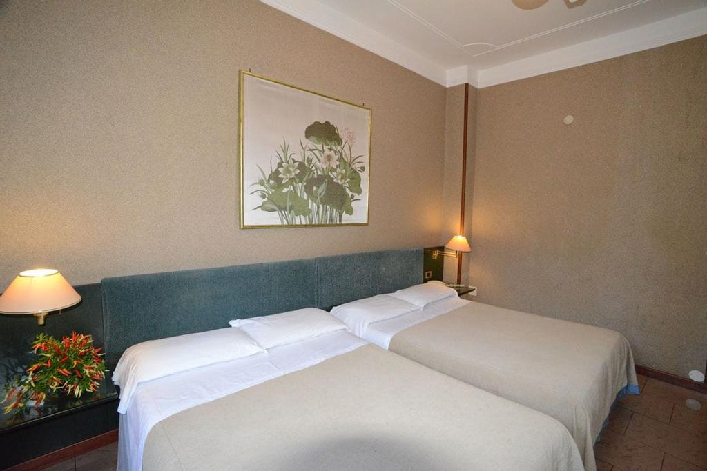 Hotel Galles, Genova