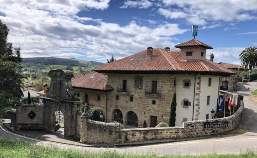 Palacio de Arce, Cantabria