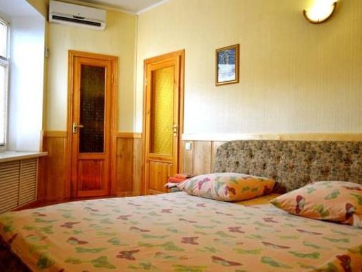 Keyless Apartment, Kharkivs'ka