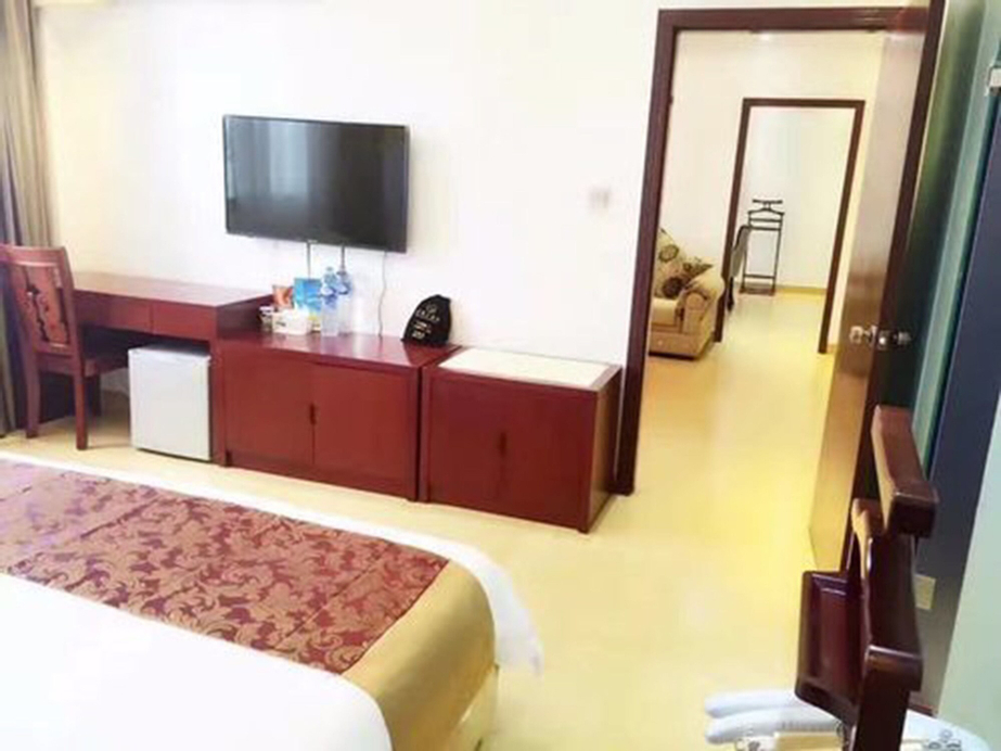 Jian Guo Grand Hotel, Sikhottabong