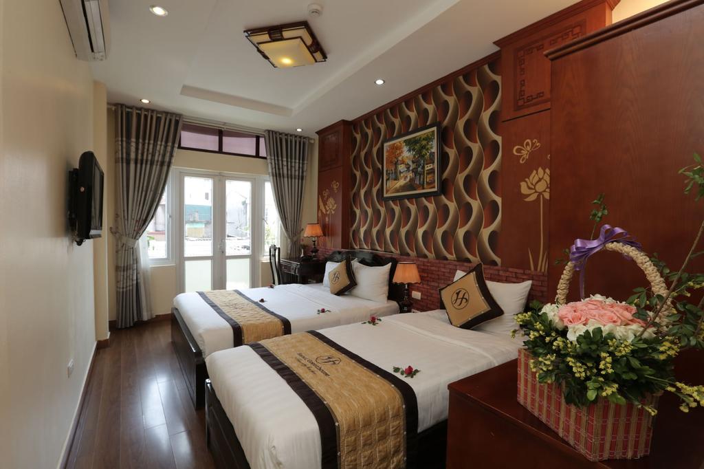Hanoi Golden Charm Hotel, Hoàn Kiếm