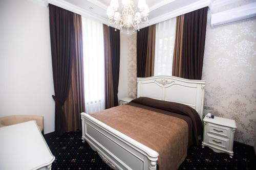 Готель Петрівськии, Kirovohrads'kyi