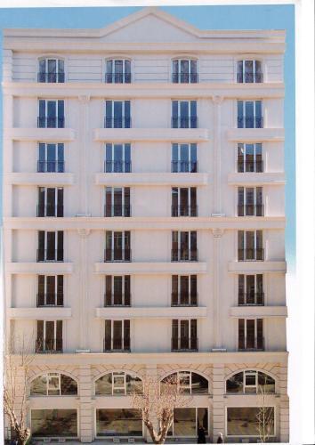 Feyzan Hotel, Merkez