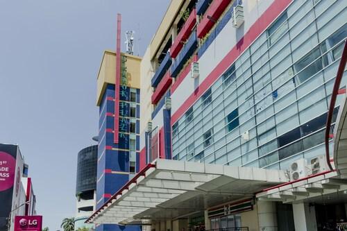 RedDoorz Plus @ Glodok Plaza, Jakarta Barat