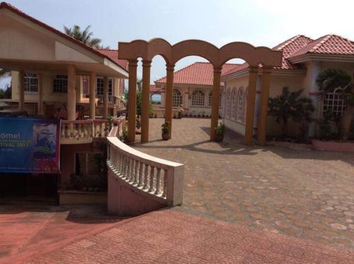 Amerie Rae Resorts, Bangui