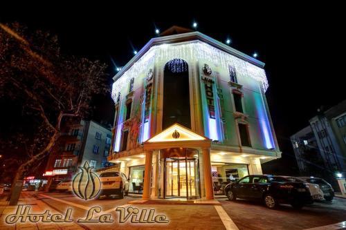 Hotel Laville, Merkez