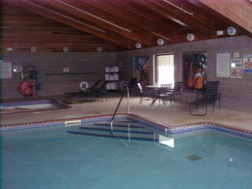 Oveson's Pelican Lake Resort and Inn, Saint Louis