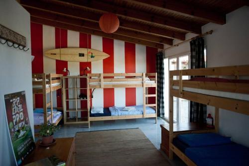 Da Silva Surfcamp 7 Bettzimmer mit Fruhstuck, Lourinhã