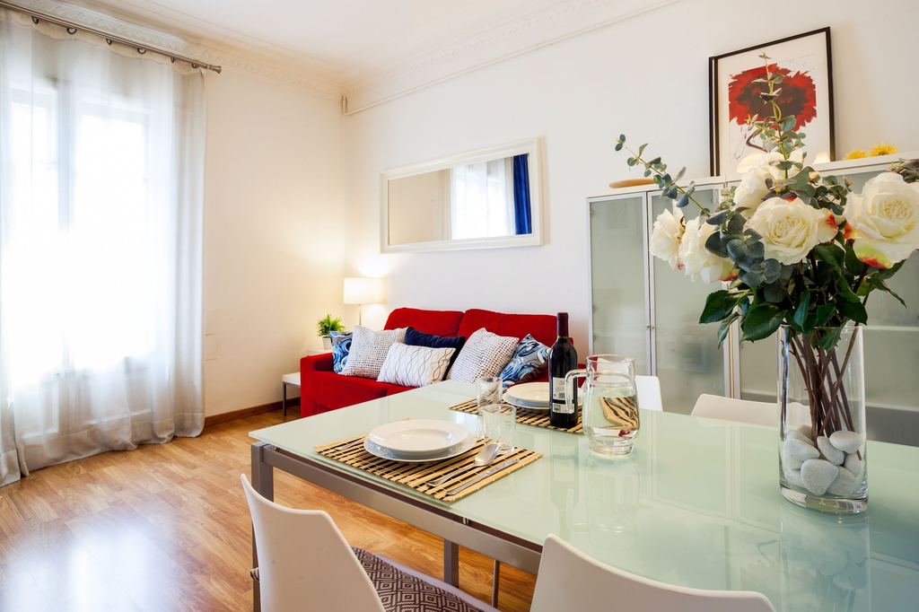 Feelathome Gran Via Apartment, Barcelona