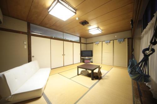 Cheap Inn Atotetsu - Hostel, Kure