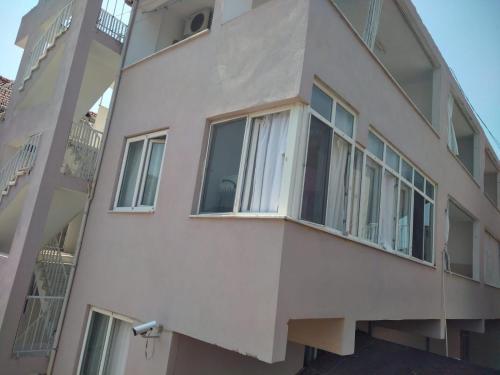 Azim Termal Pansiyon, Akköy