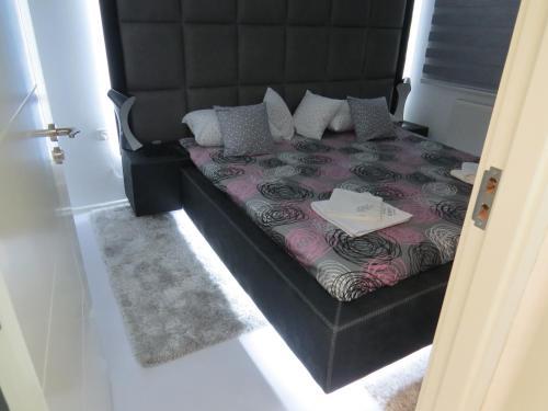 Grey apartment, Niš