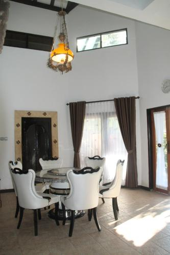 Brigadoon, Lombok