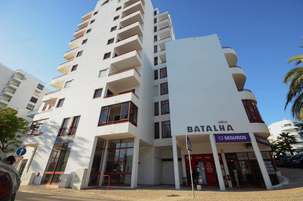 Apartment With one Bedroom in Quarteira, With Furnished Balcony and Wifi, Loulé