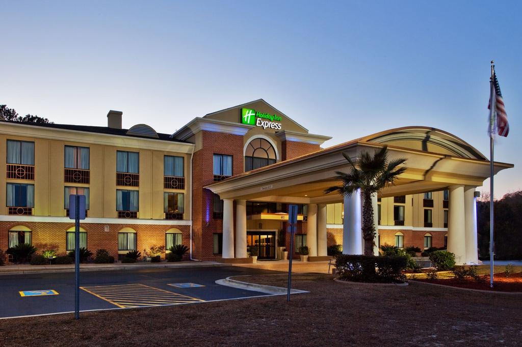 Holiday Inn Express Hinesville, Liberty