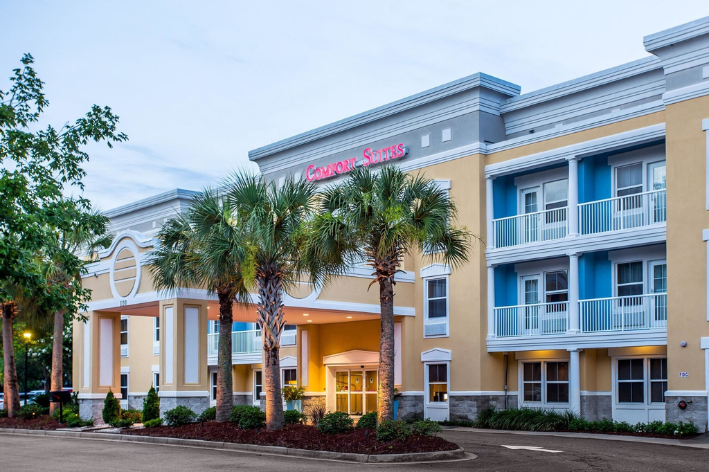 Comfort Suites at Isle Of Palms Connector, Charleston