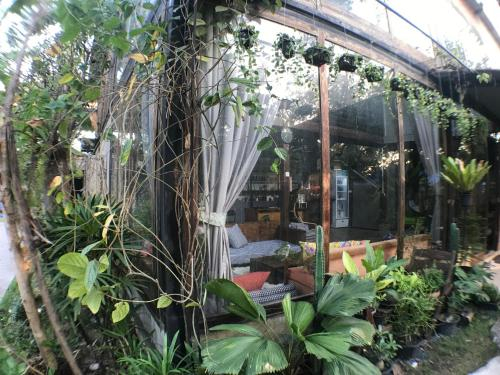 Laan Rab Lom Home & Cafe', Nong Khae