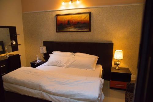 Towlab Hotel & Suites, Akure North