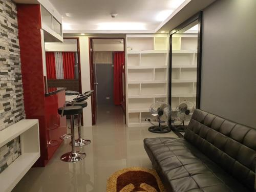 Decca Home 12881, Manila