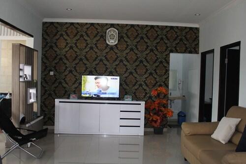 Pecatu Vira House, Badung