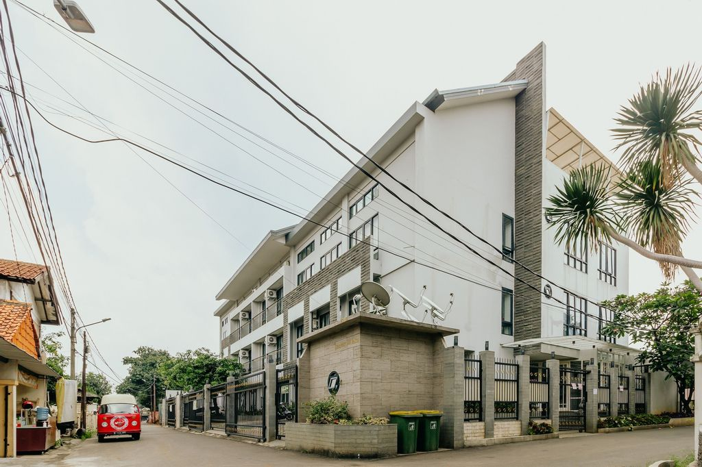 Urbanest Inn House TB Simatupang, South Jakarta