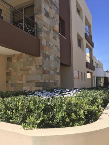 Niro Apartments,