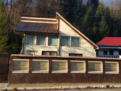 Vila in Voineasa - Valcea, Voineasa