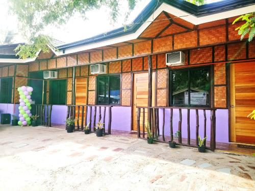 In-N-Out Hostel, Siquijor