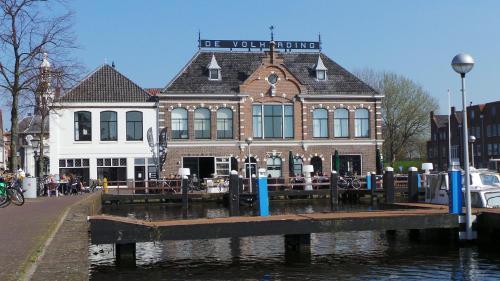Tweelwonen De Volharding, Leiden