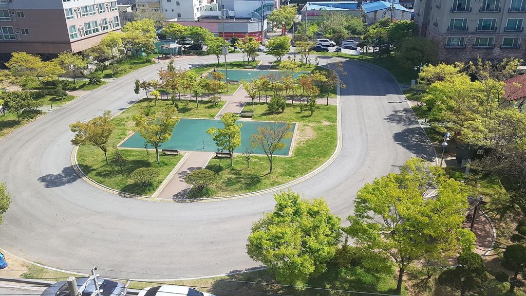 My Motel, Muan
