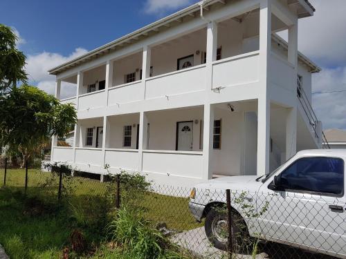 Thomas Apartments,