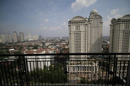 CoHaus 3BR High Rise Apt Perm Hijau, Jakarta Selatan